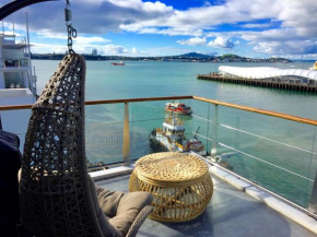 Princes Wharf 1BR Sub-Penthouse with Panoramic City & Ocean Views