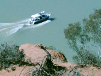 Hausboot auf dem Murray River bei Heading Cliff Lookout